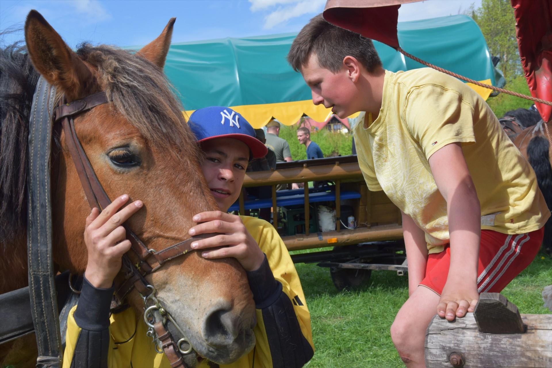 Konie, Kaszuby, Wiśta wio! Zawody w Ostrzycach [FOTOREPORTAŻ] 13