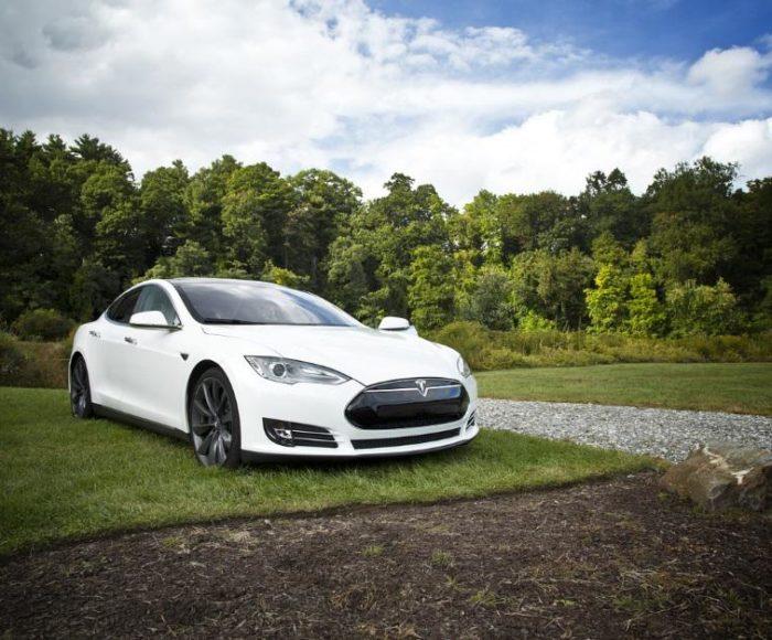 Żywotność baterii w samochodzie elektrycznym - jaka jest?