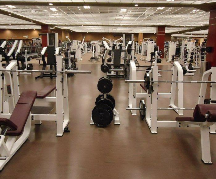 Ćwiczenia na siłowni dla początkujących - od czego zacząć treningi?