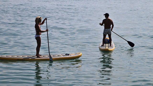 Nowe sporty wodne - na czym to polega? Dlaczego warto?