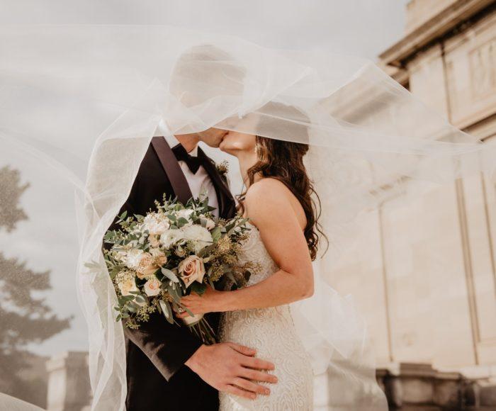 Jak wybrać wymarzoną i idealną suknię ślubną? 2