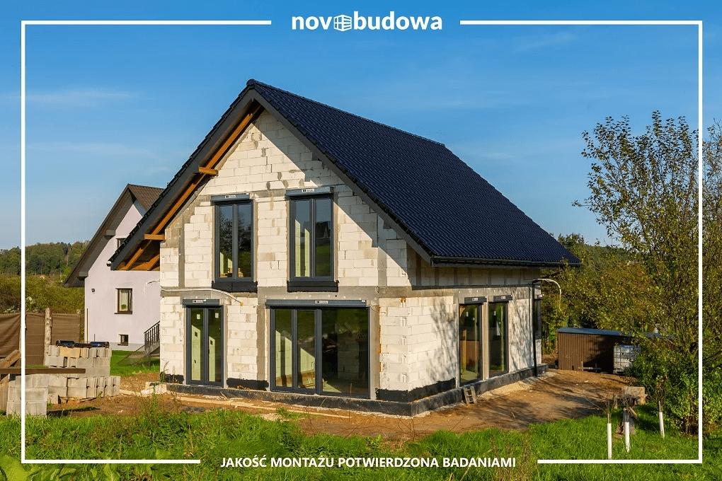 Montaż okien w nowym domu - dlaczego warto zaufać profesjonalistom?