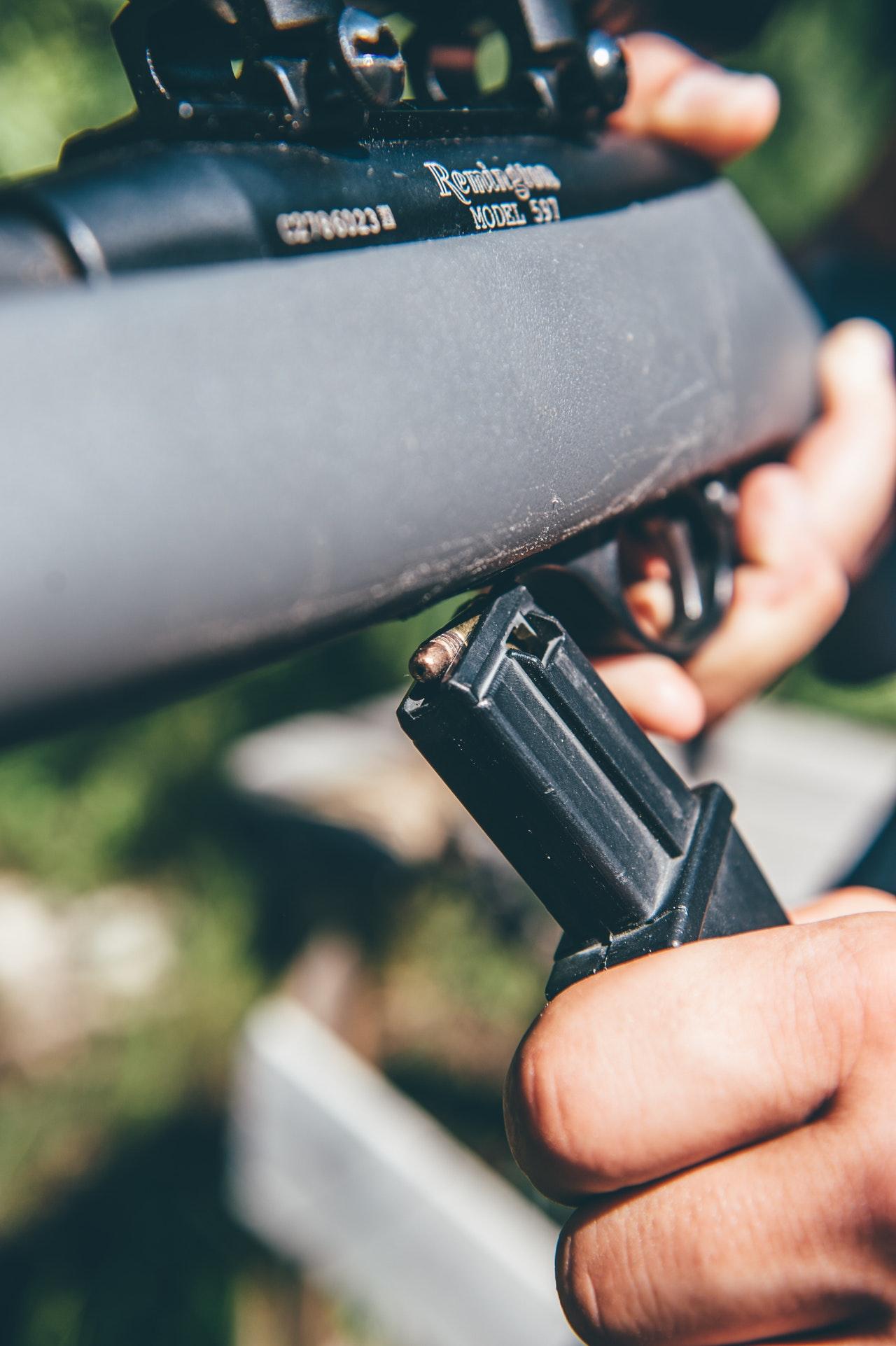 Obowiązki właściciela broni palnej w zakresie jej bezpiecznego przechowywania i składowania