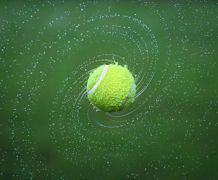 Jak wybrać odpowiednią piłkę do tenisa?